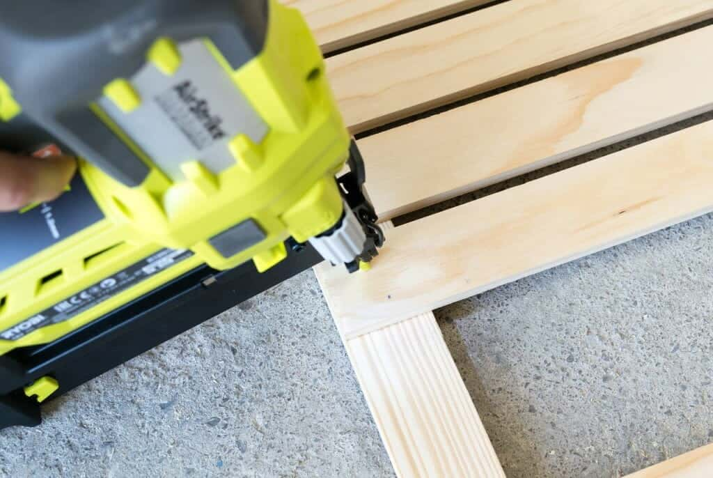 How to use a Brad Nailer?