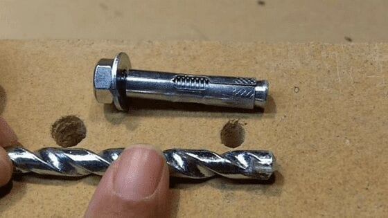 Anchor measurement while drilling